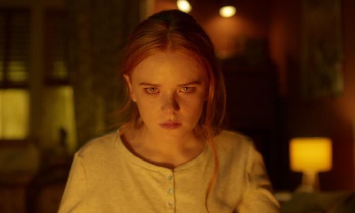 Abigail Cowen è un'arrabbiata Bloom in Fate: The Winx Saga