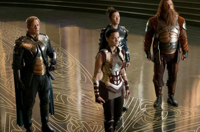 Josh Dallas, Tadanobu Asano, Jaimie Alexander e  Ray Stevenson in Thor
