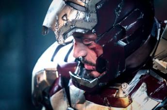 Robert Downey Jr. nell'armatura di Iron Man