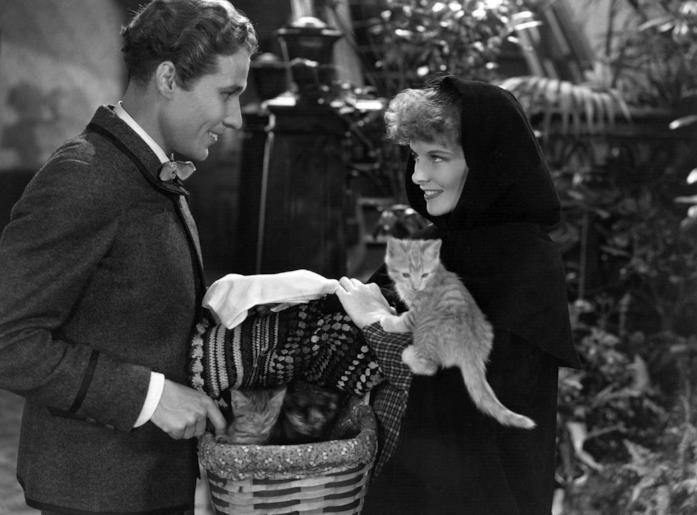 Una scena di Piccole Donne con Katherine Hepburn