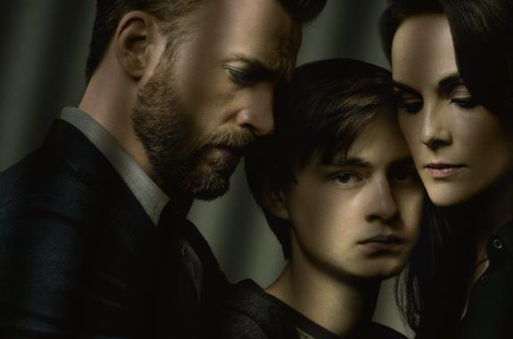 In difesa di Jacob: la trama della serie-record con Chris Evans (e il libro da cui è tratta)