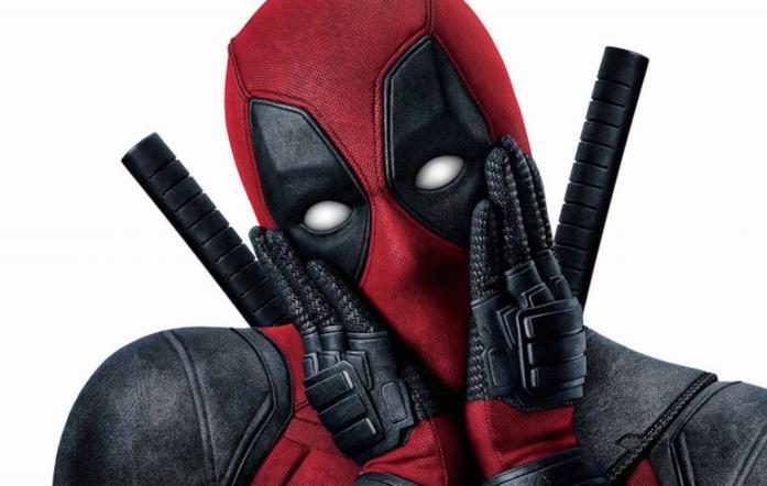 Un primo piano del Mercenario Chiacchierone in un poster di Deadpool 2