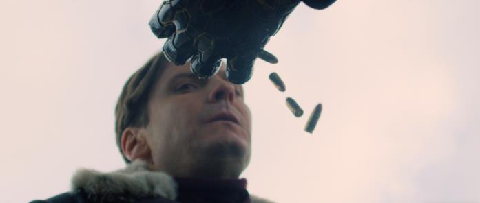 Zemo vede i proiettili cadere dal braccio di Bucky