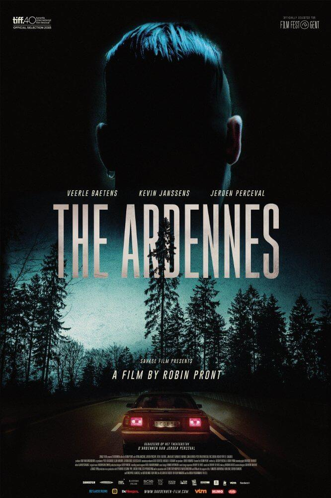 Sulla locandina originale del fim vediamo la nuca di uno dei protagonisti, la macchina del fratello e i boschi delle Ardenne