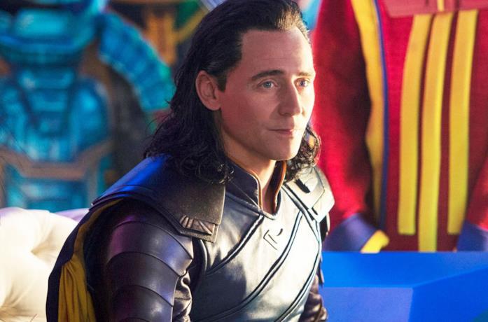 Primo piano di Tom Hiddleston in Thor: Ragnarok