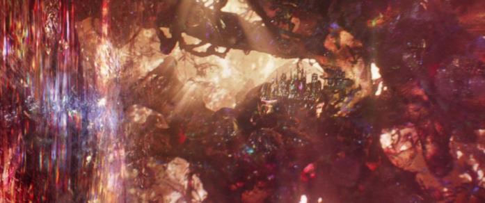 Hank Pym viaggia all'interno del Regno Quantico alla ricerca della moglie Janet van Dyne