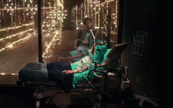 Will porta le luci in ospedale per Stella per il loro ultimo incontro