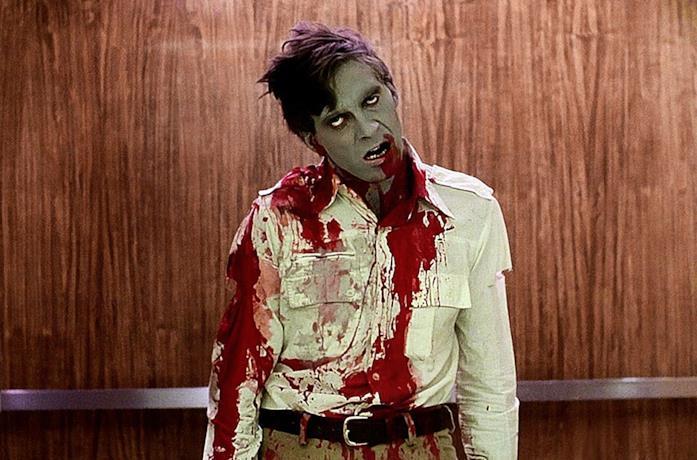 Una celebre immagine di Zombi di Romero