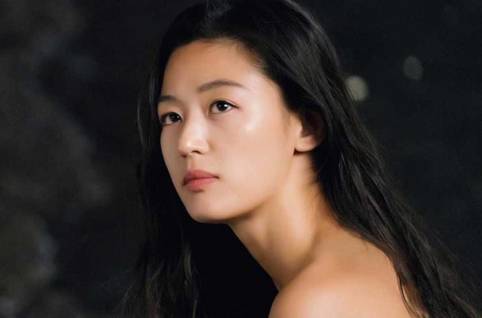Jun Ji Hyun nel film The Legend of the Blue Sea