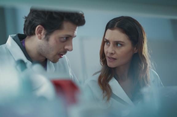 Rebecca e il collega scienziato