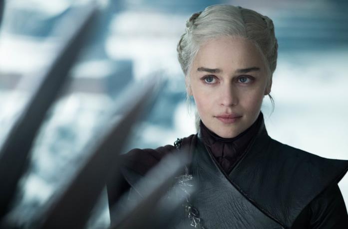 Emilia Clarke nell'episodio finale di Game of Thrones