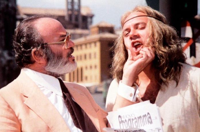 Mario Brega e Carlo Verdone in una scena di Un sacco bello