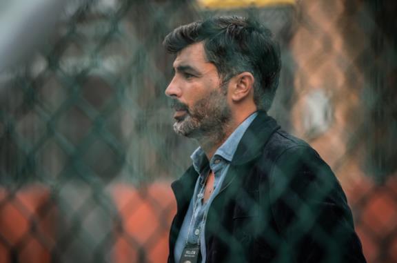 Carmine Recano in una scena della serie TV Mare fuori