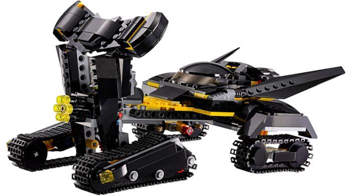 Il Bat-Tank contenuto nel nuovo set LEGO dedicato agli eroi DC Comics