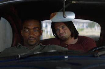 Falcon e Winter Solider seduti in auto in Civil War