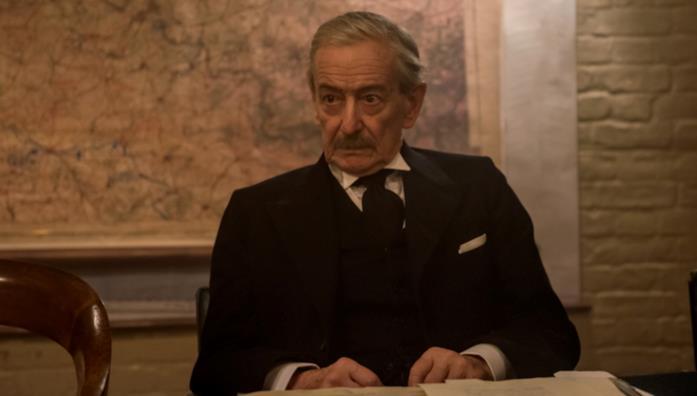 Arthur Neville Chamberlain nel film Darkest Hour