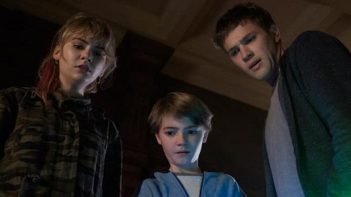 Emilia Jones, Jackson Robert Scott e Connor Jessup visti dall'alto