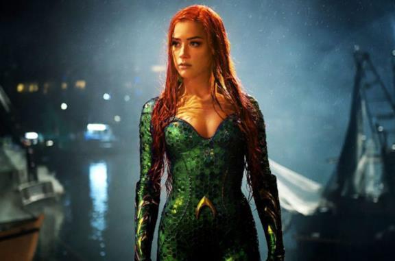 """Amber Heard sarà Mera in Aquaman 2 nonostante la petizione dei fan: """"Non vedo l'ora di cominciare"""""""