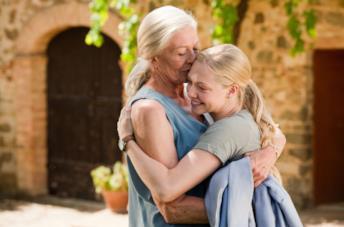 Vanessa Redgrave e Amanda Seyfried in una scena del film Letters to Juliet