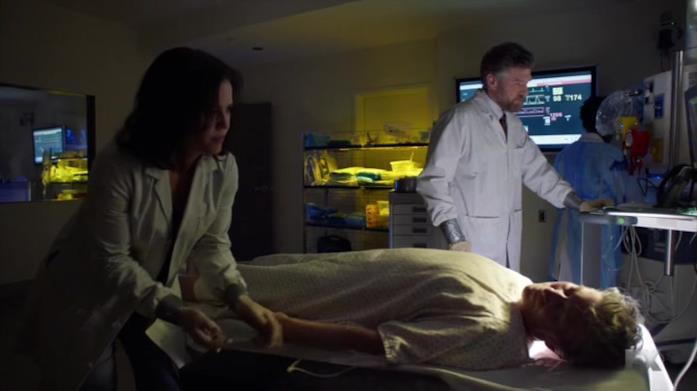Alcuni medici al soldo di Elditch Palmer compiono esperimenti con il sangue di vampiro