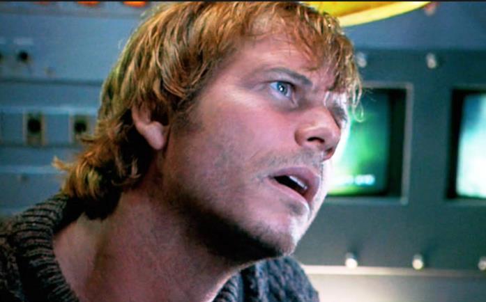 Brock Lovett in una scena di Titanic