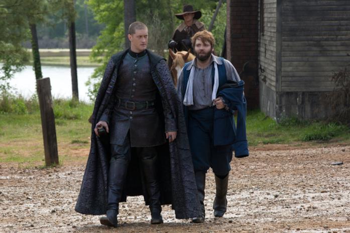 Samuel Roukin e Seth Gabel interpretano la Sentinella e Cotton Mather