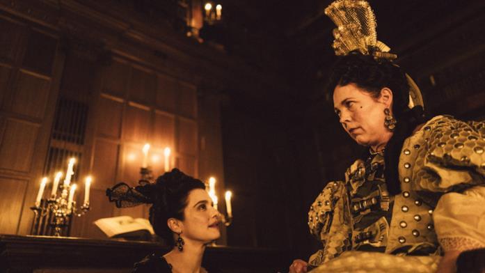 Sarah parla con la regina