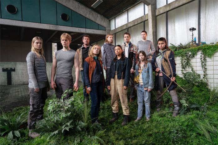 Il cast di The Rain in posa