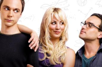 Primo piano di Jim Parsons, Kaley Cuoco e Johnny Galecki