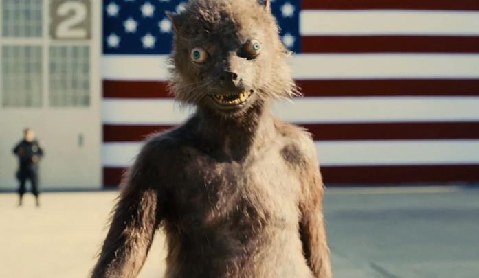 Weasel all'inizio del film