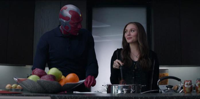 Paul Bettany e Elizabeth Olsen nei panni di Visione e Scarlet Witch