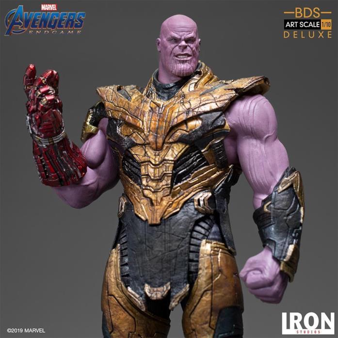 La statua di Thanos di Iron Studios - mezzo busto