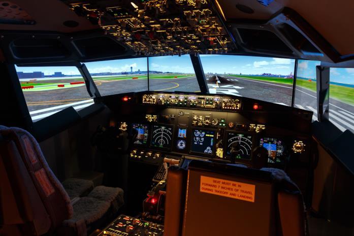Il simulatore di volo incluso nelle camere dell'Haneda Excel Hotel Tokyu