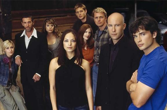 Il cast di Smallville in posa
