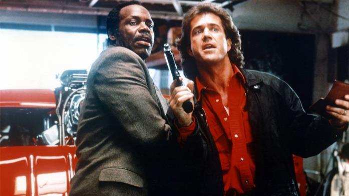 Mel Gibson e Danny Glover in una scena di Arma Letale 3