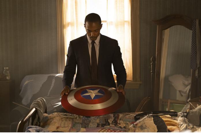 Falcon con lo scudo di Capitan America
