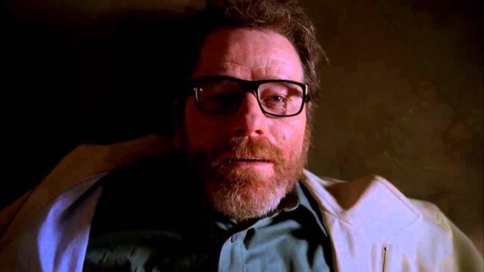 Un primo piano di Walter White nella sequenza finale della quinta stagione di Breaking Bad