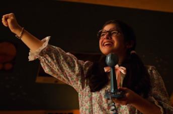 Suzie canta nel finale di Stranger Things