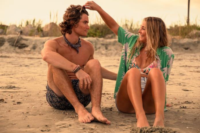 Chase Stokes e Madelyne Cline sul set di Outer Banks 2
