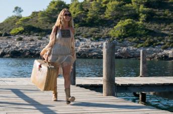 Lily James in una scena del film Mamma Mia! Ci risiamo