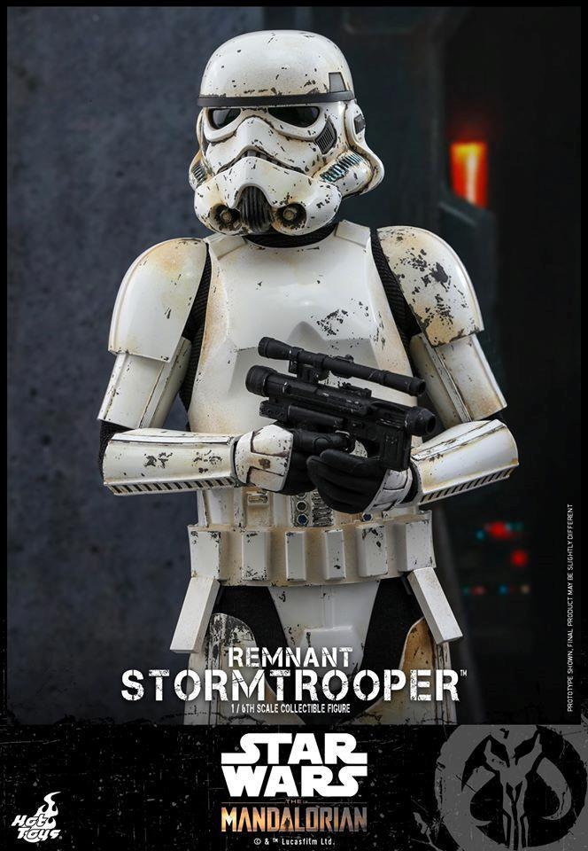 Stormtrooper, la nuova action figure di Hot Toys da The Mandalorian a mezzo busto con pistola