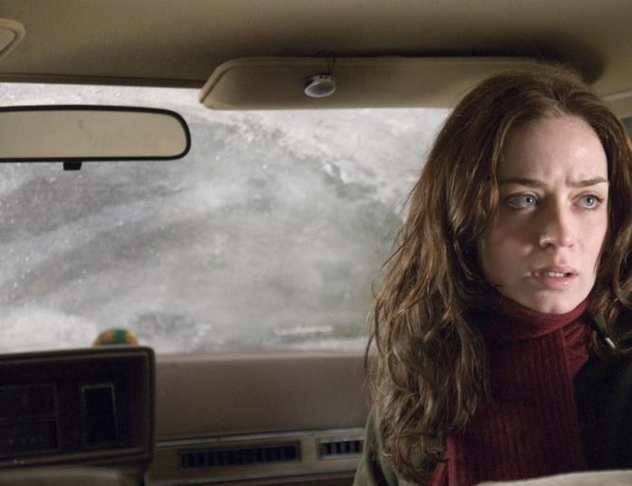 Emily Blunt in una scena del film Wind Chill - Ghiaccio rosso sangue