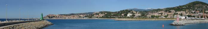 Panoramica del porto di Oneglia