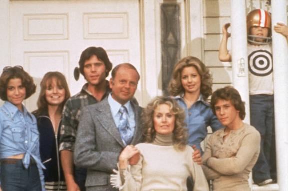 La famiglia Bradford: gli attori del cast ieri e oggi [FOTO]