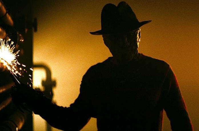 Jackie Earle Haley in una scena del film del 2010 Nightmare