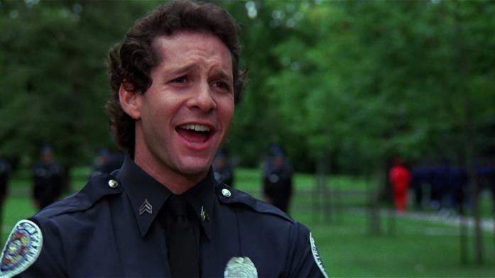 Un'immagine di Steve Guttenberg in Scuola di Polizia