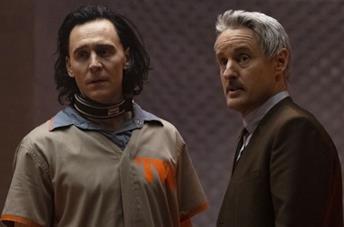 Loki incontra Mobius M. Mobius nella nuova clip della serie Marvel