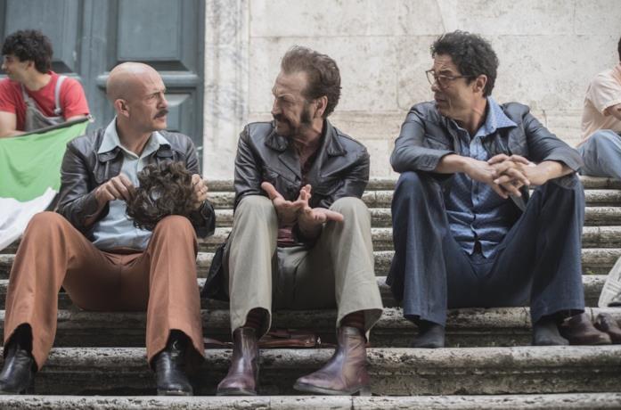 Gianmarco Tognazzi, Marco Giallini e Alessandro Gassmann in una scena di Non ci resta che il crimine