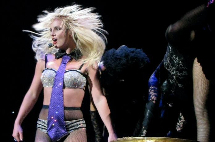 Britney Spears nel 2019 durante un concerto