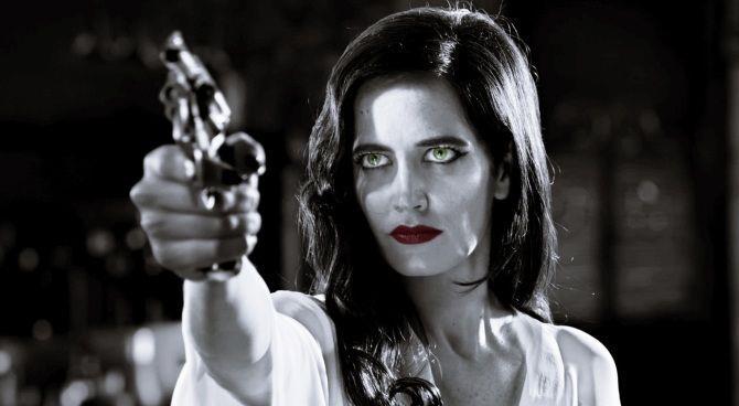 Eva Green in una sequenza di Sin City - Una donna per cui uccidere